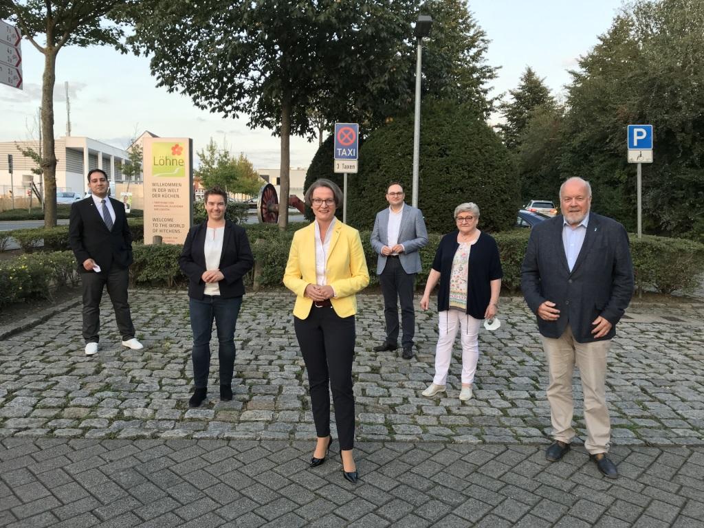 Von links nach rechts: Borzoo Afshar, Dorothee Schuster, Ina Scharrenbach, Dr. Tim Ostermann, Beate Abke, Rüdiger Meier